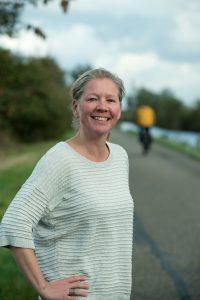 Helen Jochems is gespecialiseerd in communicatie en het schrijven van teksten. Haar belangstelling gaat uit naar duurzaamheid, mobiliteit, infrastructuur, bouw en wonen. Werkzaam in de regio Utrecht.